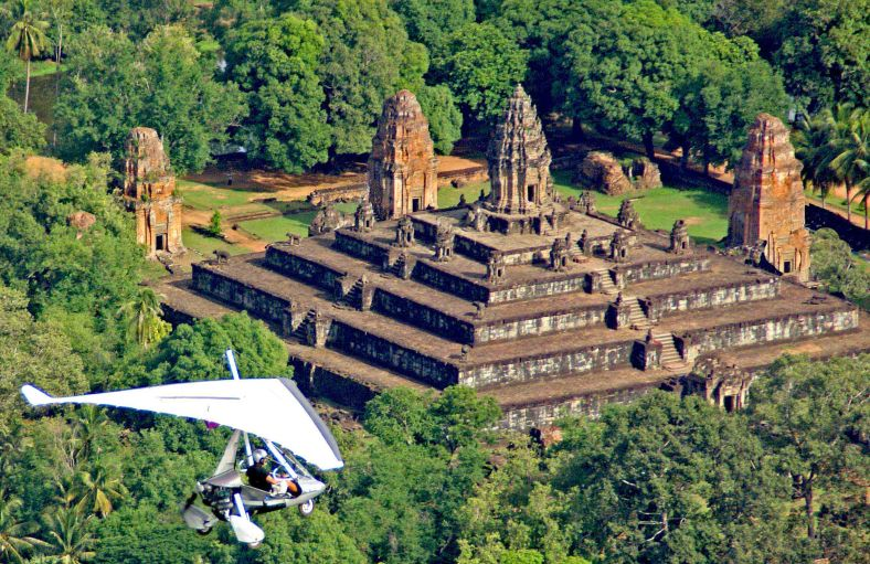 Microlight Cambodia Flying Around Angkor Temples