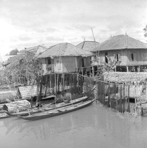 Tonle Sap - between 1946- 1962 - Old Photos in Cambodia
